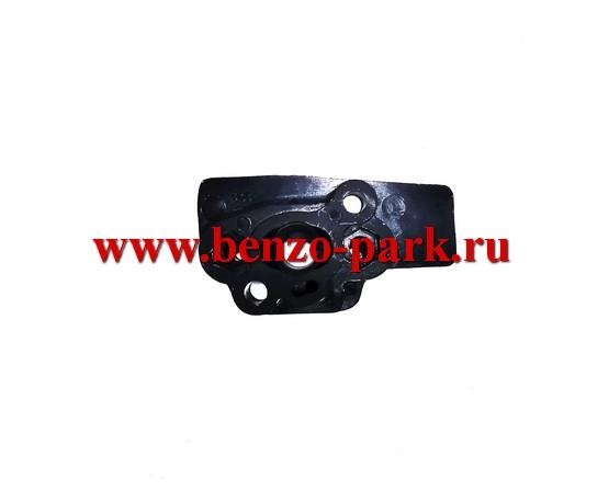 Адаптер (проставка, теплоизолятор, тепловая дамба) карбюратора китайских бензокос с объемом двигателя 25 см3
