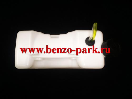 Бензобак (топливный бак) в сборе для китайских бензокос с объемом двигателя 43см3, 52см3 и 56 см3 (горловина по центру)