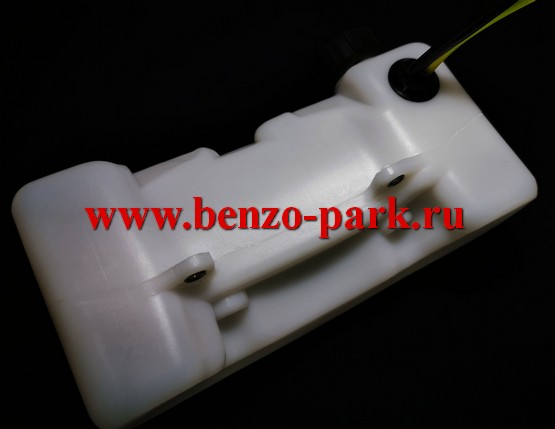 Бензобак (топливный бак) в сборе для миникультиваторов (мототяпок) с объемом двигателя 43см3, 52см3 и 56 см3 (горловина направлена вверх)