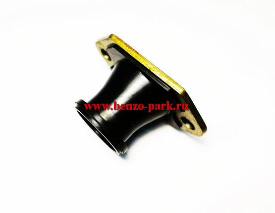 Впускной патрубок карбюратора (колено) для китайских бензопил с объемом двигателя 45 см3, 52 см3, 58 см3