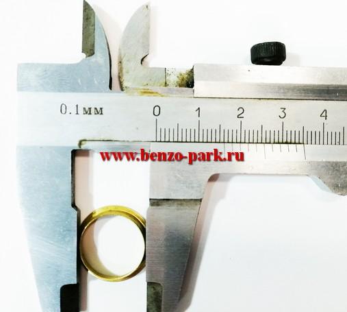 Кольцо-фиксатор (стопор, вкладыш фланца, бронзовое колечко) патрубка карбюратора китайских бензопил с объемом двигателя 45 см3, 52 см3 и 58 см3