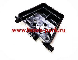 Корпус воздушного фильтра для бензопил типа Partner 350-371, Poulan 2150, Poulan 2250 и т.п