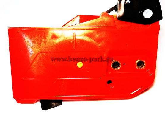 Крышка тормоза цепи в сборе для китайских бензопил с объемом двигателя 45см3, 52 см3 и 58 см3 (прямоугольная)