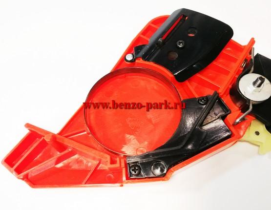 Крышка тормоза цепи в сборе китайских бензопил с объемом двигателя 38 см3 и 41 см3