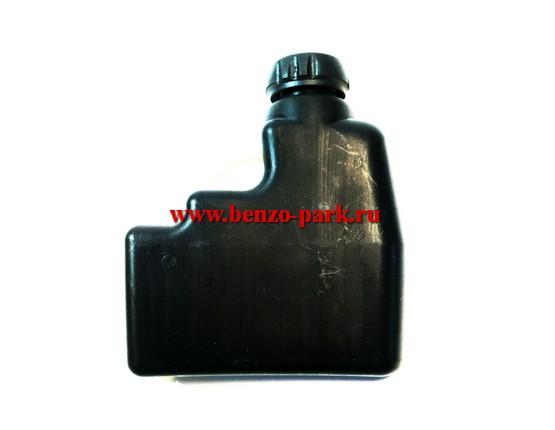 Масляный бачок (бак масляный, маслобак) в сборе с пробкой бензопил типа Maxcut 138, Champion 138, Rebir 38CC и др.
