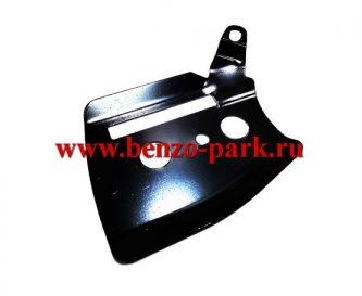 Пластина под шину (щиток на крышку тормоза) китайских бензопил с объемом двигателя 38 см3 и 41 см3